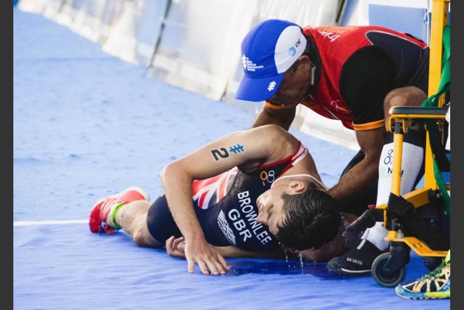 El británico Jonathan Brownlee protagonizó dramáticas escenas en el triatlón de México. (Foto: AFP)