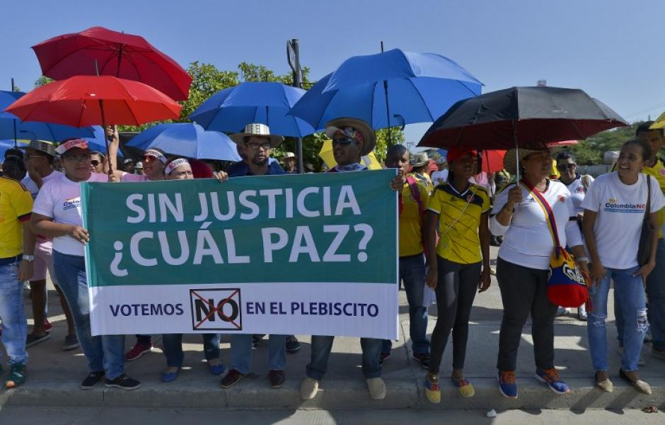 Los manifestantes se oponen a la firma porque dicen que no son justos. (Foto: Luis Robayo/AFP)