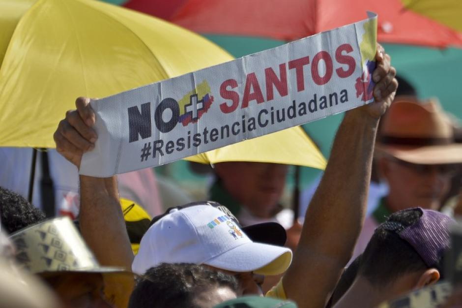 Los manifestantes son dirigidos por expresidente Uribe.  (Foto: Luis Robayo/AFP)