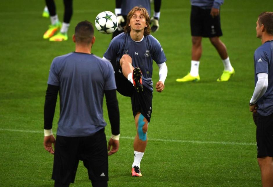 Luka Modric es el conductor del juego merengue. (Foto: AFP)