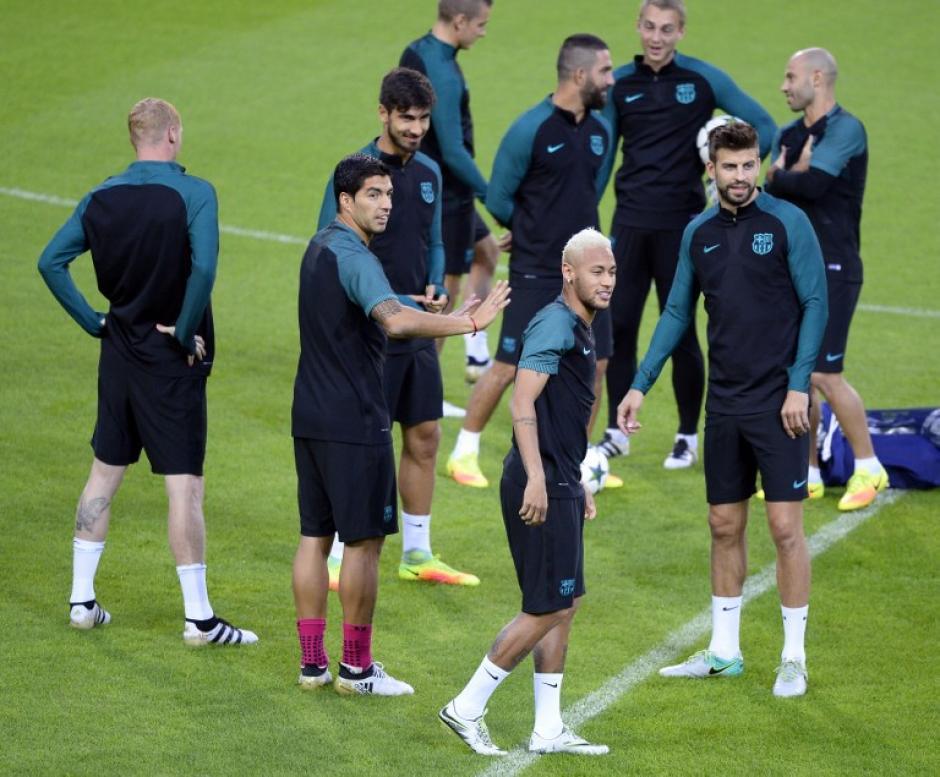 Neymar y Suárez estarán a cargo del ataque, ante la ausencia de Messi. (Foto: AFP)