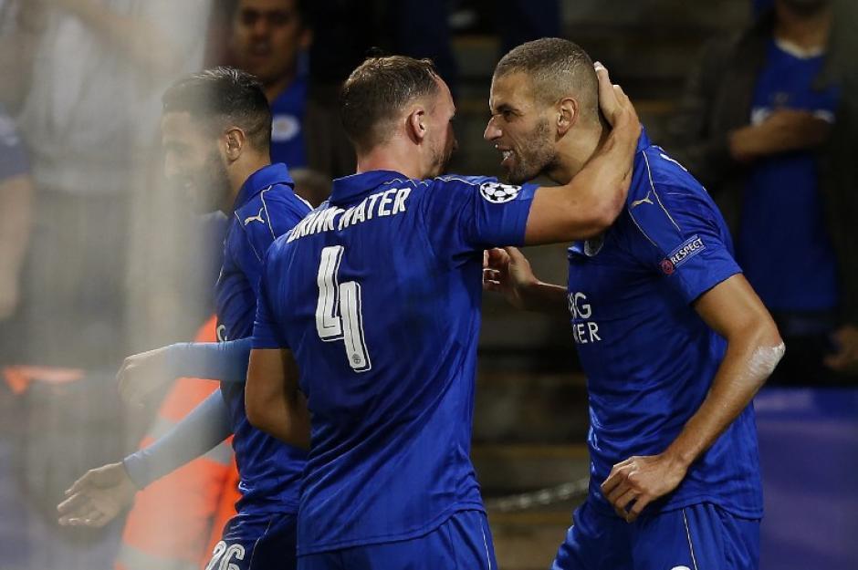 Islam Slimani le dio la segunda victoria al Leicester City. (Foto: AFP)