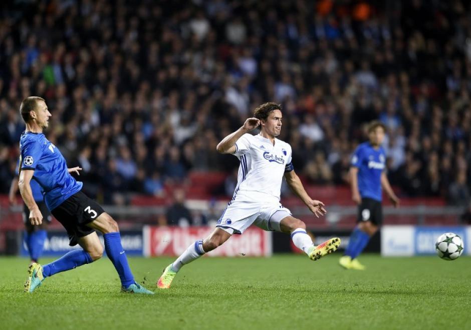 El capitán marcó al más puro estilo de Roberto Carlos. (Foto: AFP)