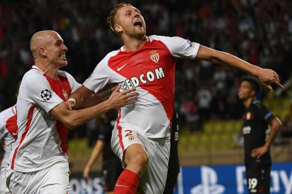 Kamil Glik celebra un gol que nunca más volverá a meter. (Foto: AFP)