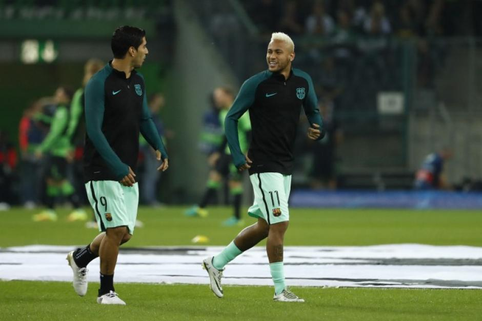 Neymar y Suárez antes de la jornada de Champions. (Foto: AFP)