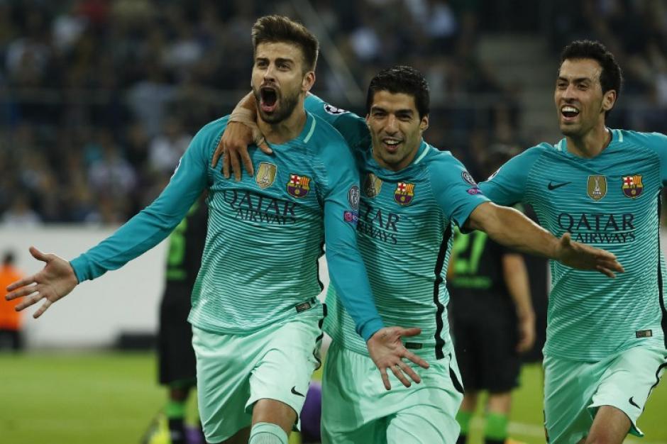 Piqué celebra el gol de la victoria. (Foto: AFP)