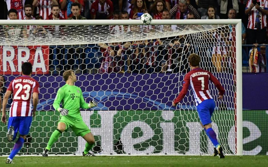 Griezmann mandó su penal al travesaño. (Foto: AFP)