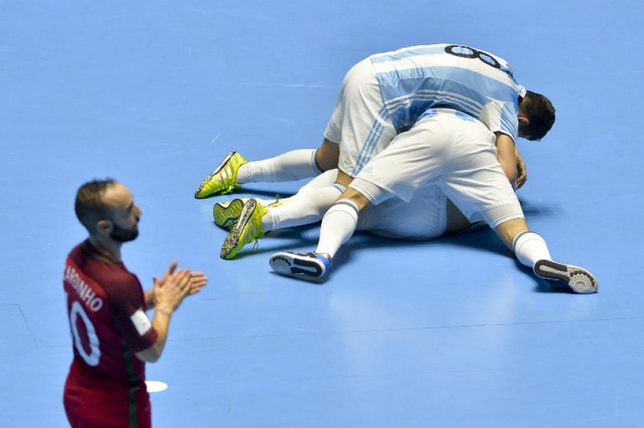 Argentina consiguió un histórico pase a la final del Mundial de Futsal. (Foto: AFP)