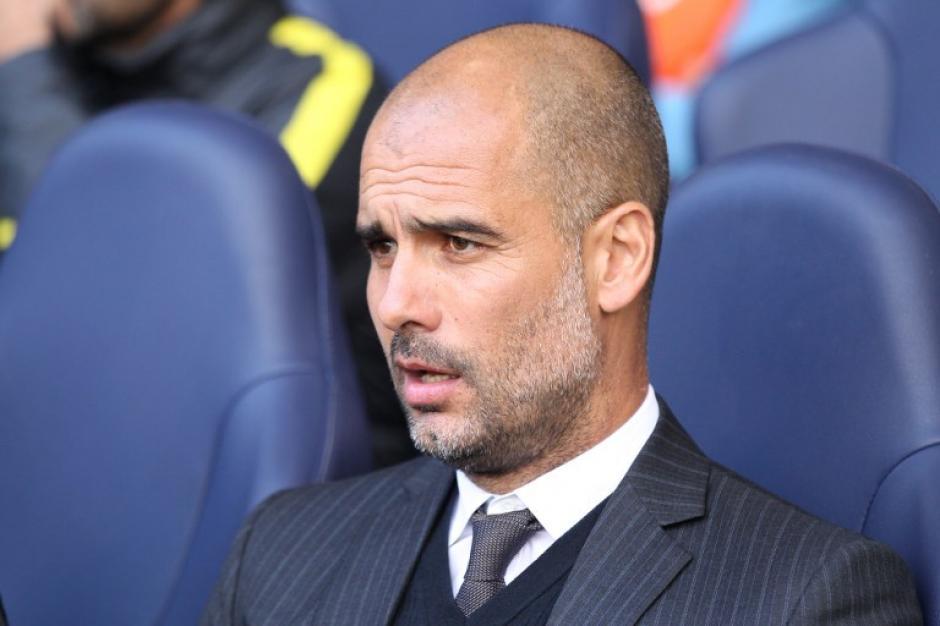 Guardiola continúa con sus rarezas en el Manchester City. (Foto: AFP)