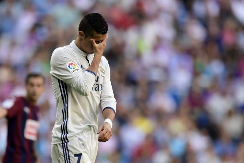 Cristiano se lamenta tras otro empate más. (Foto: AFP)