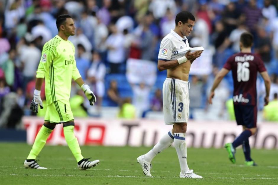 El Real Madrid perdió el liderato de la liga. (Foto: AFP)