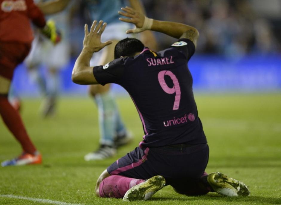 A Luis Suárez no le salió nada. (Foto: AFP)
