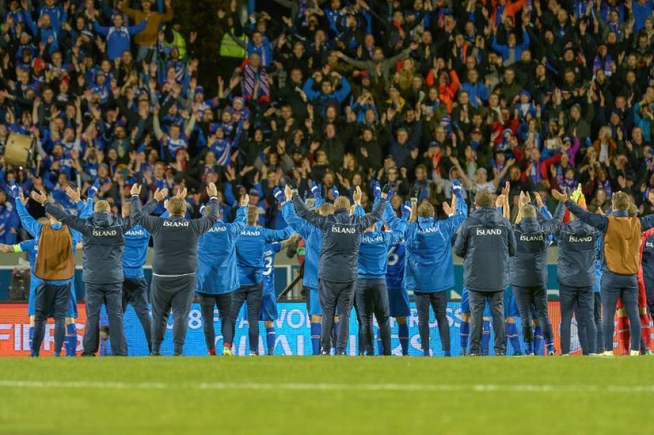 Islandia venció de manera sorprendente en su casa. (Foto: AFP)