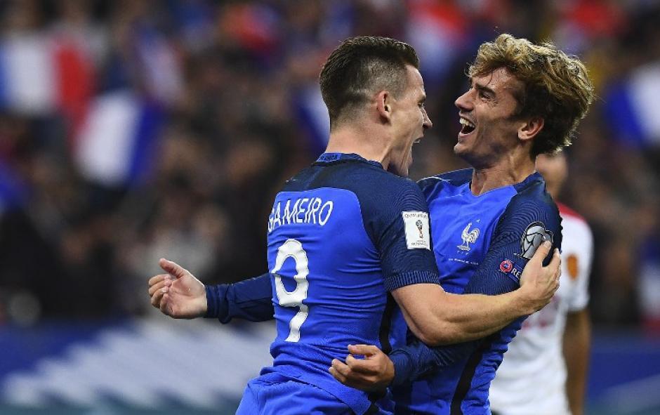 Gameiro y Griezmann celebran con Francia. (Foto: AFP)