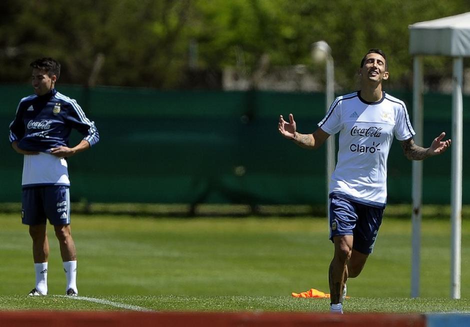Ángel Di María gesticula durante la práctica de Argentina. (Foto: AFP)
