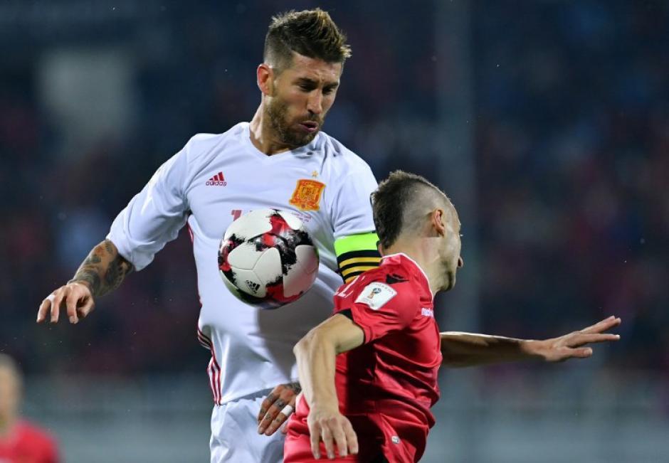 Ramos tiene un esguince grado II en la rodilla. (Foto: AFP)