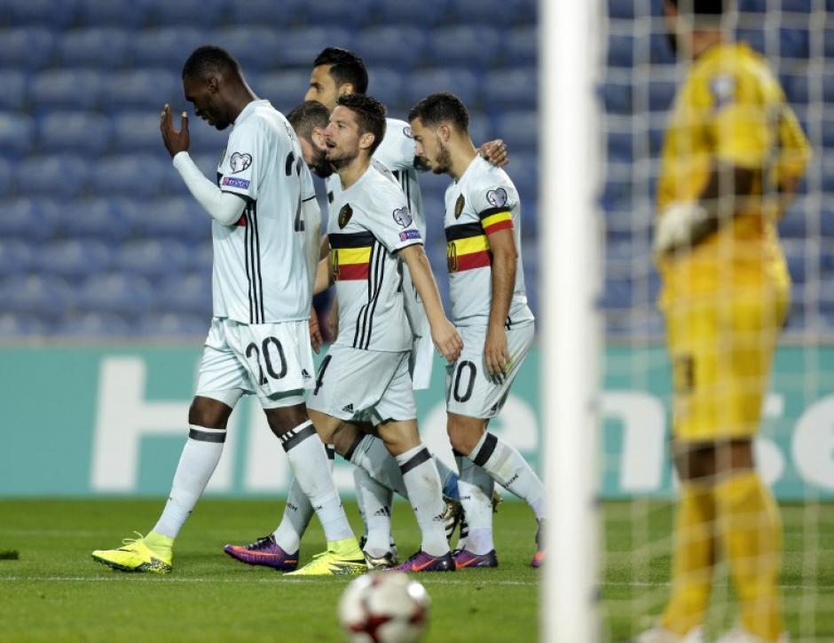 El delantero belga se robó la primera pelota del partido. (Foto: AFP)