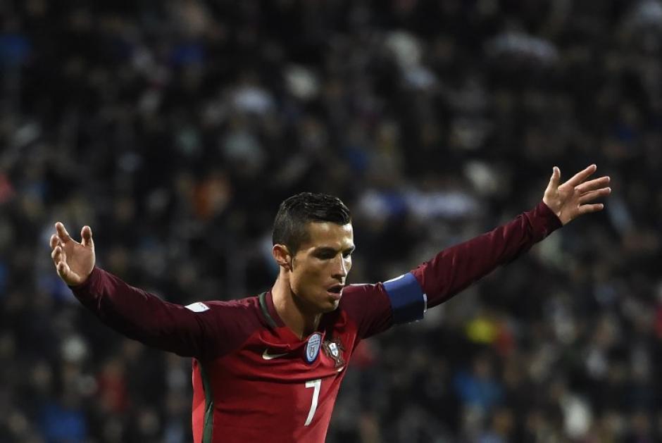 El portugués celebra su anotación. (Foto: AFP)