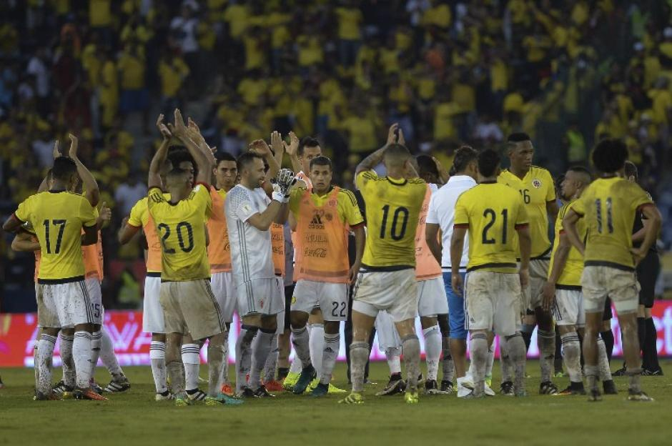 Colombia saluda a su afición en Barranquilla. (Foto: AFP)