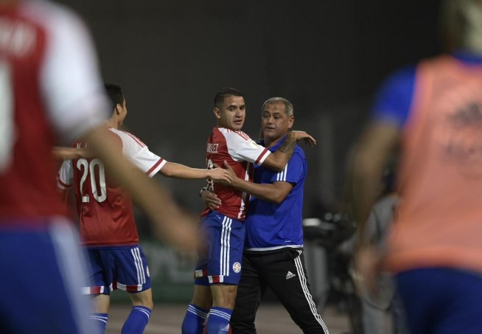 Derlis González celebra su gol. (Foto: AFP)