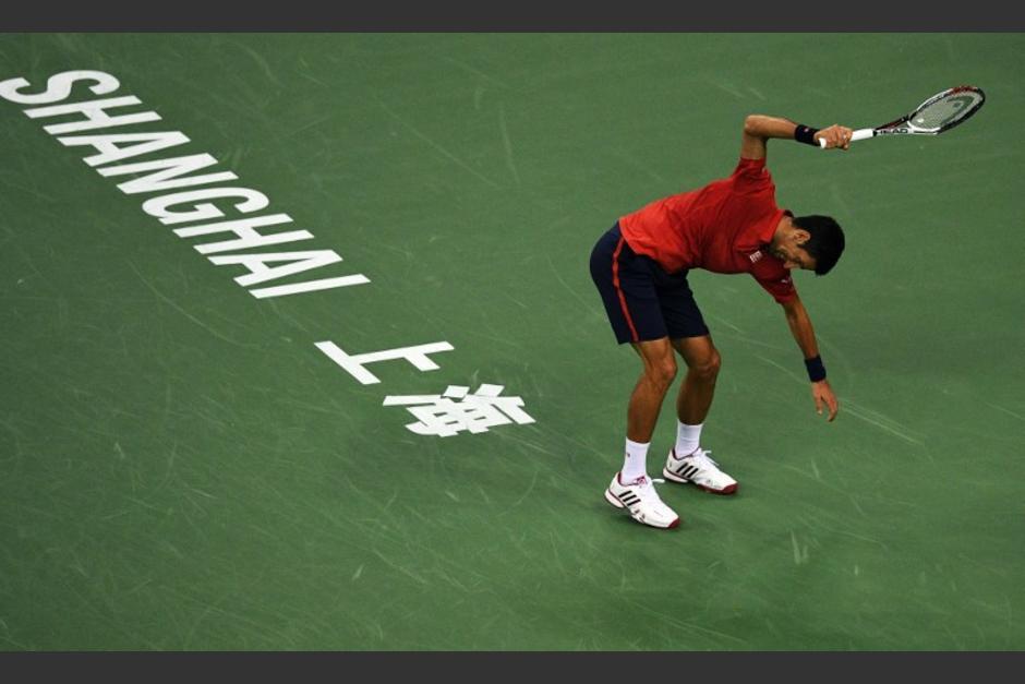 Djokovic tuvo un ataque de furia durante la semifinal del torneo de Shanghai, que perdió. (Foto: AFP)