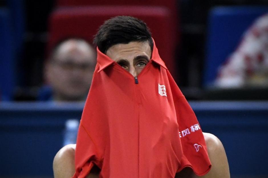 El gesto del serbio tras perder contra el español Roberto Bautista. (Foto: AFP)