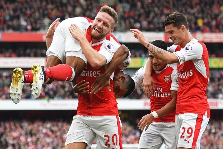 El Arsenal suma los mismos puntos que el City. (Foto: AFP)