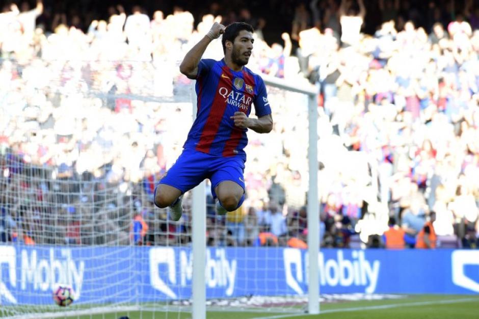Luis Suárez marcó a pase de Neymar en el primer tiempo. (Foto: AFP)