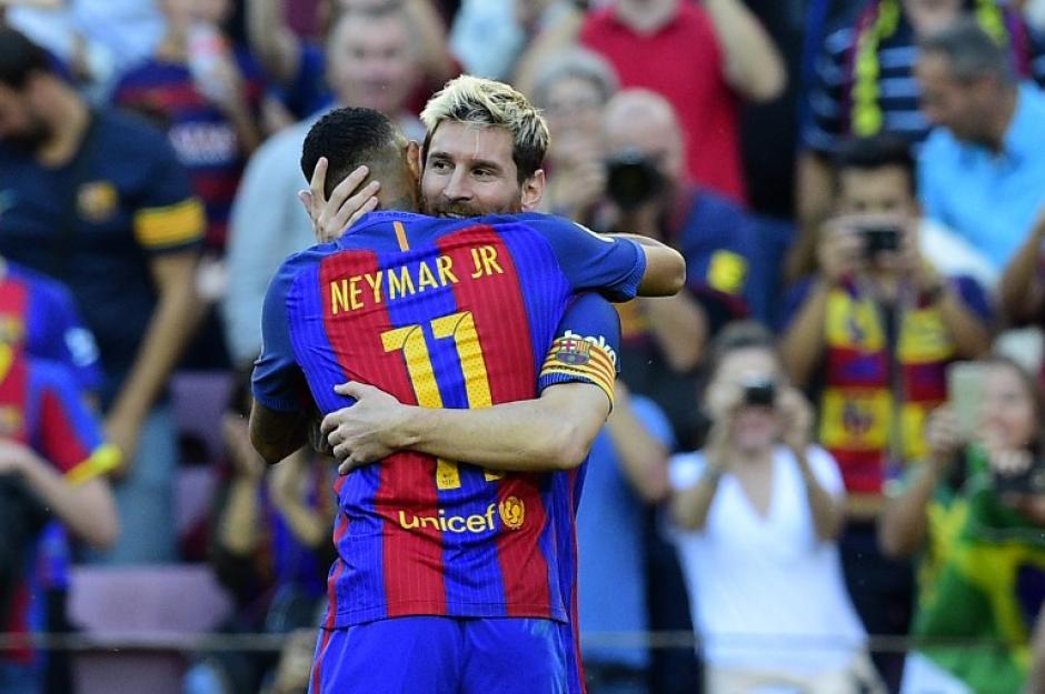 Neymar y Messi celebran el gol del argentino contra el Dépor. (Foto: AFP)