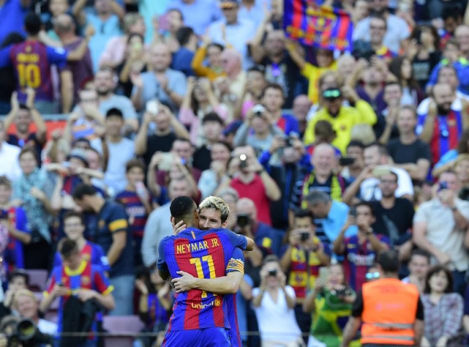 El brasileño asistió a Leo en su regreso de la lesión. (Foto: AFP)