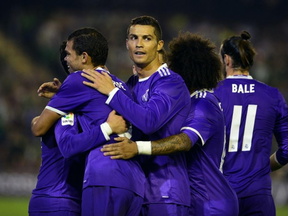 Cristiano Ronaldo convirtió el sexto gol de Real Madrid. (Foto: AFP)