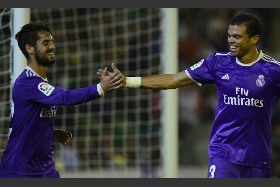 Isco y Pepe celebran el golazo. (Foto: AFP)