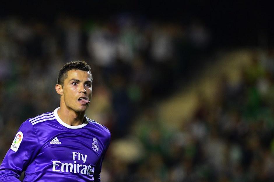Cristiano Ronaldo seguiría siendo el jugador que más cobra del Real Madrid con 22 millones por año.  (Foto: AFP)