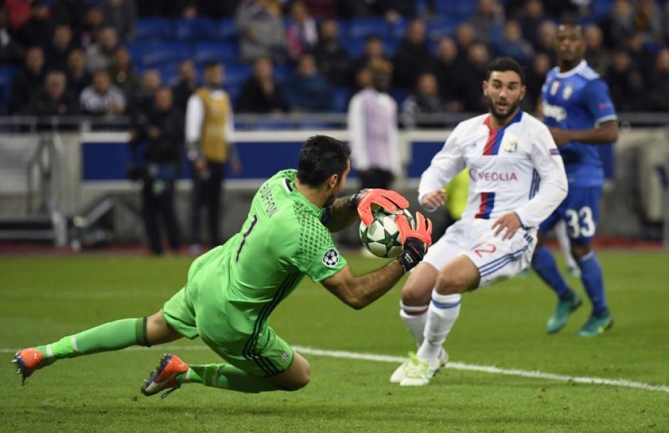Buffon jugó un partidazo en Francia. (Foto: AFP)