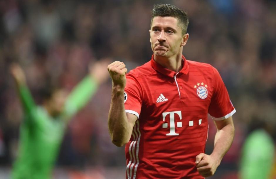 También se encuentra en el listado de finalistas el delantero del Bayern München, Robert Lewandowski. (Foto: AFP)