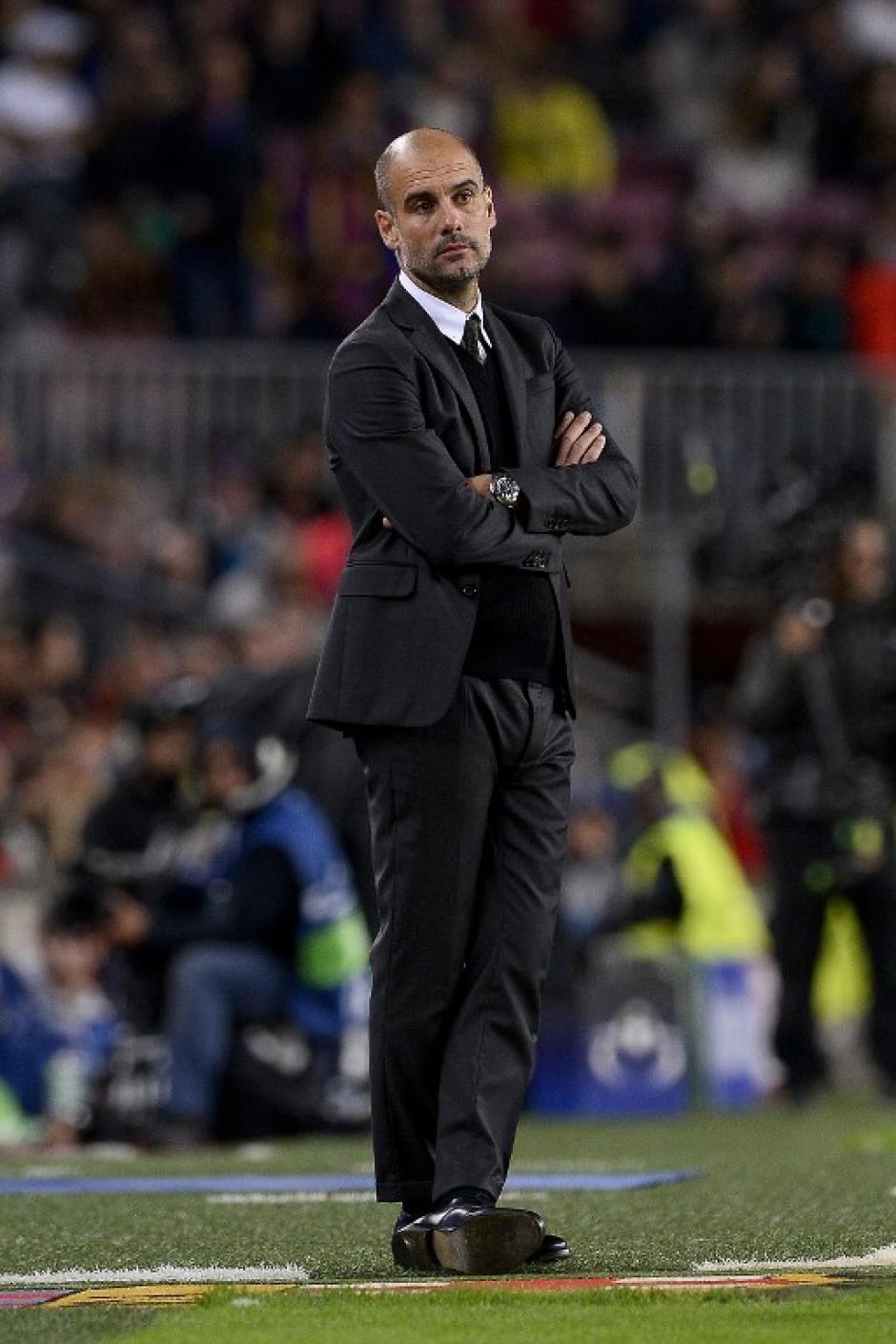 Pep Guardiola se lamenta tras la goleada. (Foto: AFP)