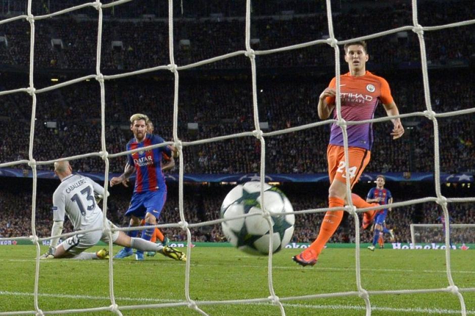 John Stones no pudo detener la pelota y esta se fue dentro de su arco. (Foto: AFP)