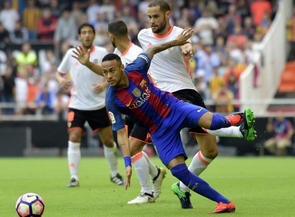 Neymar fue desequilibrante y puso en aprietos a los rivales. (Foto: AFP)