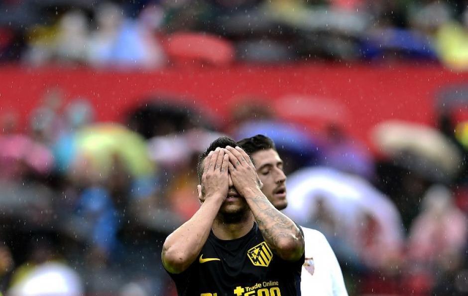 Atlético de Madrid perdió el invicto ante Sevilla. (Foto: AFP)