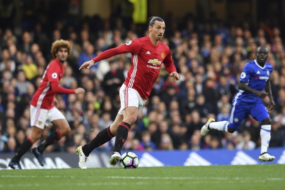 Zlatan Ibrahimovic, muy criticado en el ManU, pero finalista. (Foto: AFP)