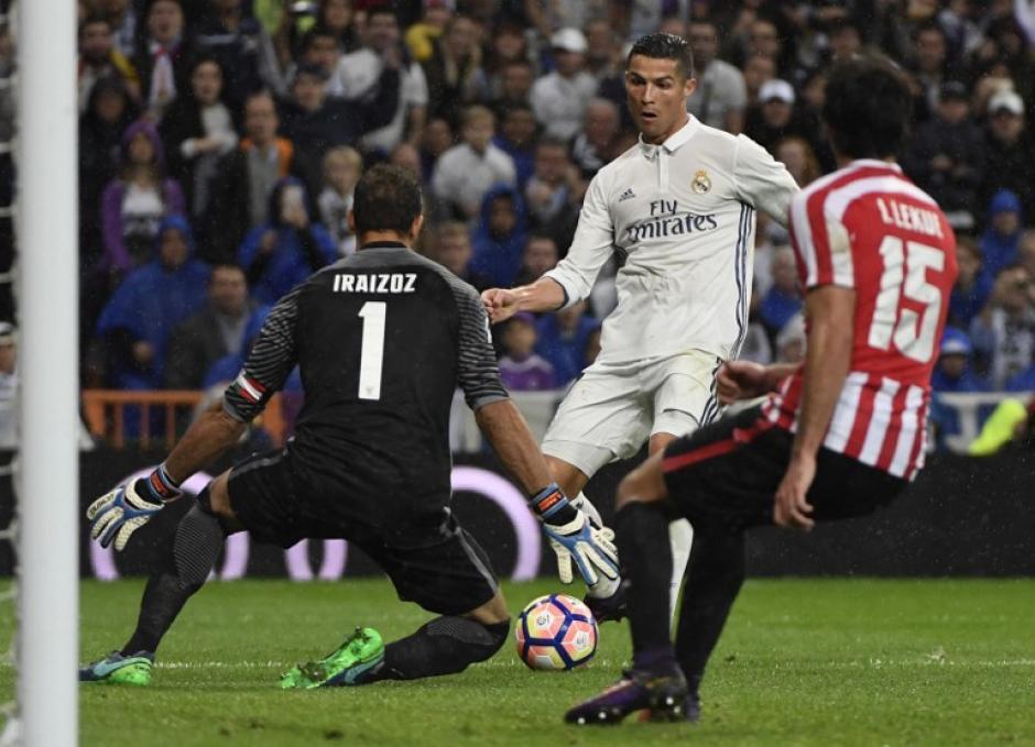 Cristiano Ronaldo no marcó, pero siempre es peligroso. (Foto: AFP)