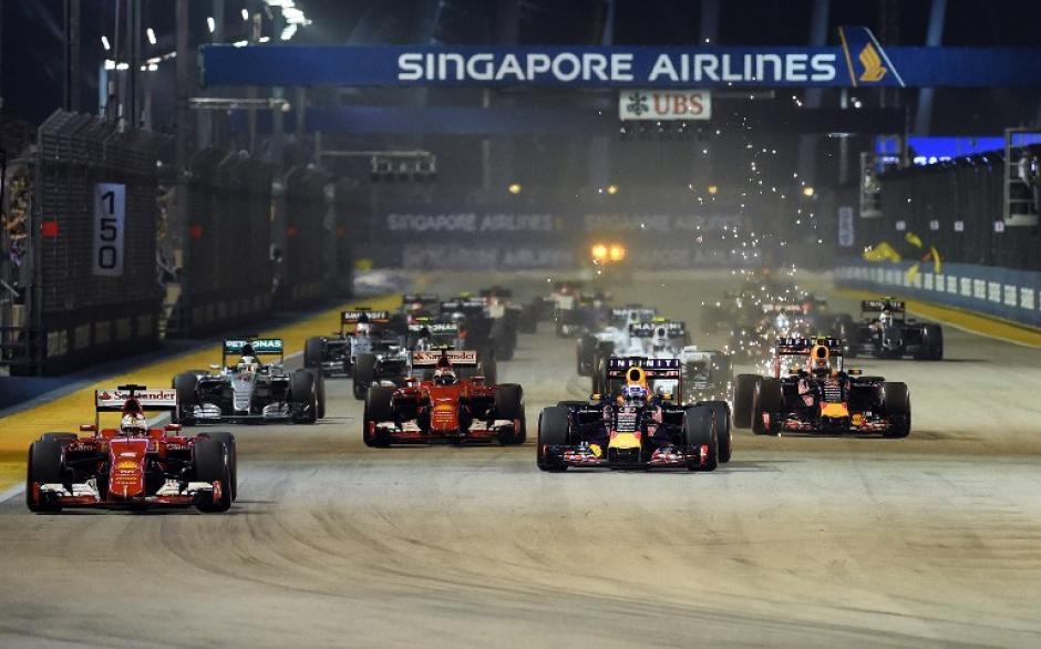Los pilotos de la Fórmula Uno durante la competencia dominical