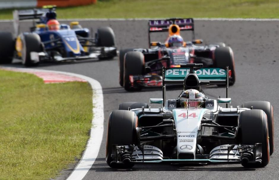 Una fotografía captada durante la competencia en el circuito de Suzuka. (Foto: AFP)