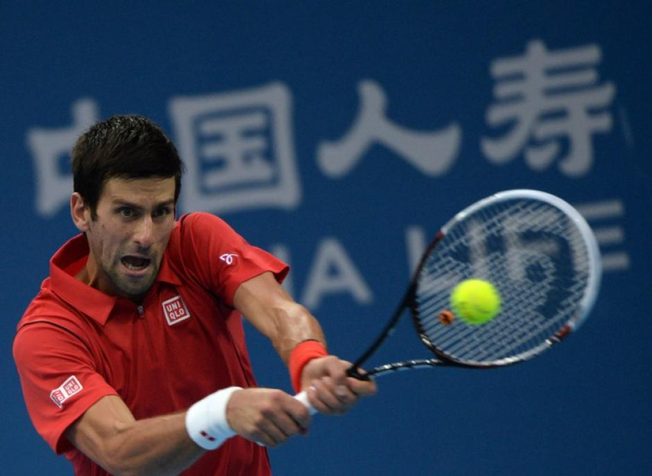 Novak Djokovic se impuso a Rafael Nadal en la gran final del Torneo de tenis de Pekín. (AFP)