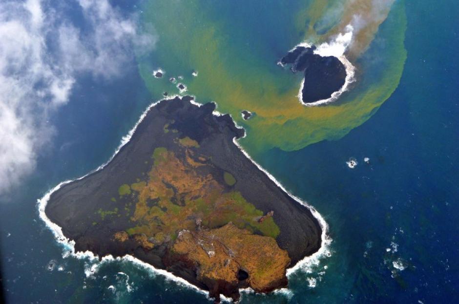 La zona del Anillo de Fuego, donde está ubicado este diminuto archipiélago, es propensa a generar este tipo de fenómenos debido a su intensa actividad sísmica. (Foto: AFP)