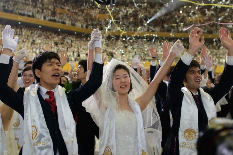 Los novios al final de la ceremonia. Foto AFP