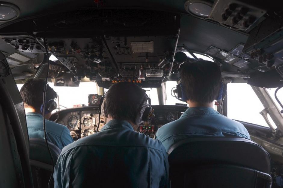 Autoridades de Malasia y Vietnam realizan búsquedas aéreas con el fin de encontrar los restos del avión de Malaysia Airlines. (Foto: AFP)