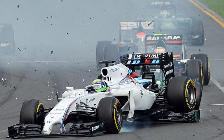 El brasileño Felipe Massa sufrió un accidente al ser impactado por detrás por el conductor japonées Kamui Kobayashi