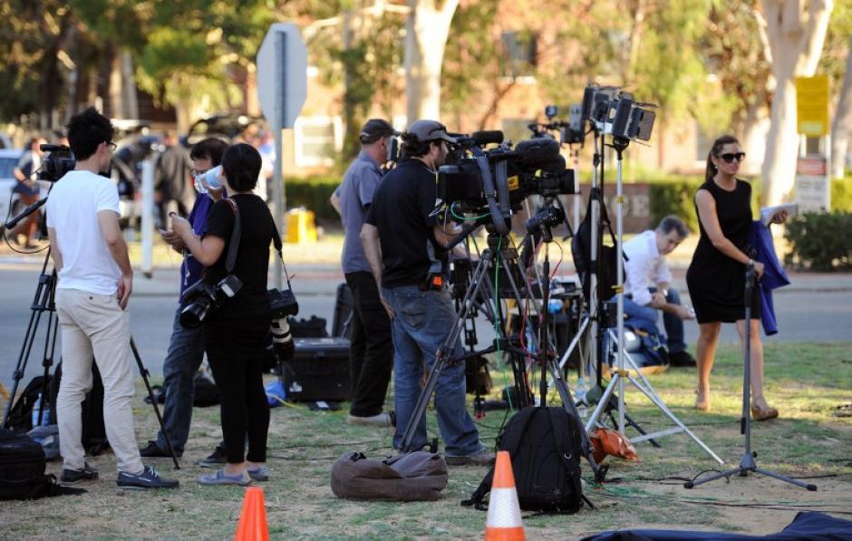 Los medios de comunicación australianos y de otras partes del mundo están a la expectativa. (Foto: AFP)