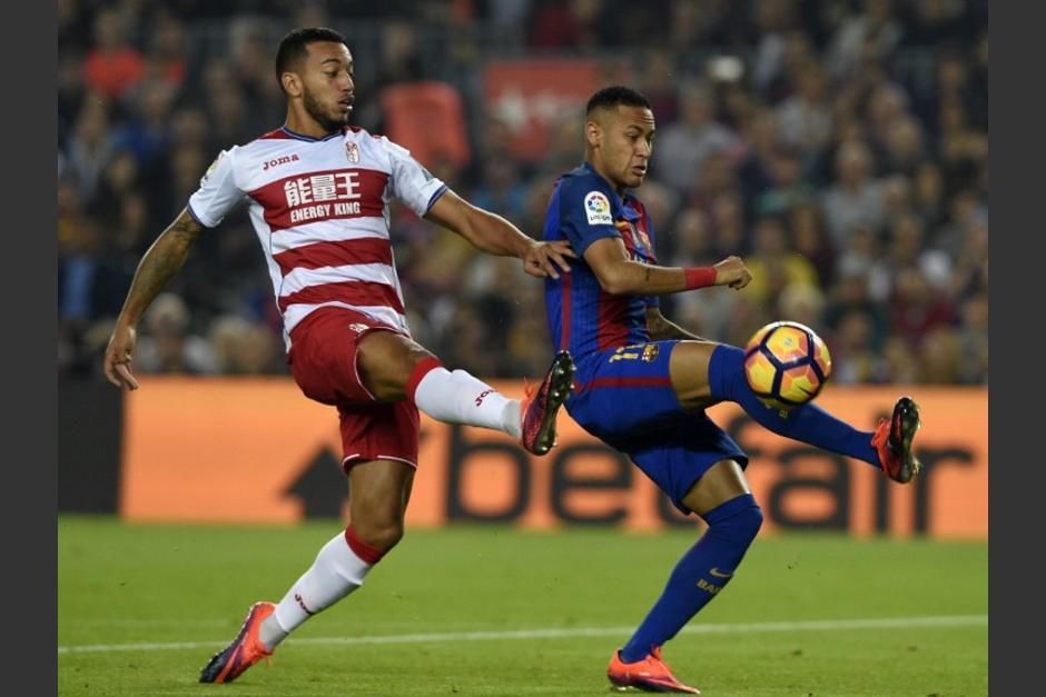Neymar no tuvo un buen partido contra el Granada. (Foto: AFP)